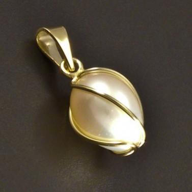 Zlatý přívěsek s perlou v klícce č.1