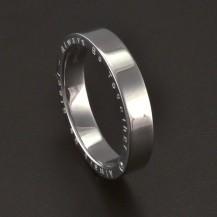 Ocelový prsten s nápisem