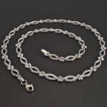 Vybrušovaný náhrdelník bílé zlato
