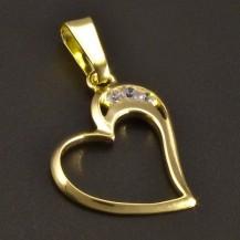 Zlatý přívěsek srdce s třemi zirkony