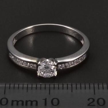 Prsten z bílého zlata s briliantem a zirkony č.2