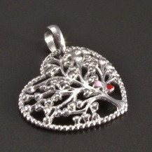 Stříbrný přívěsek strom se srdíčky