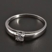Hladký stříbrný prsten se zirkonem
