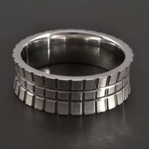 Stříbrný prsten mřížkatý