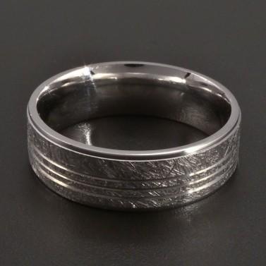Stříbrný vybrušovaný prsten č.1