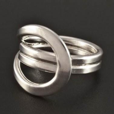 Stříbrný nápadný prsten 210 č.1