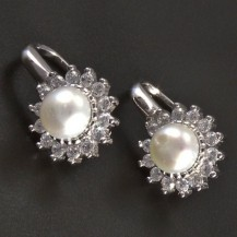 Stříbrné náušnice perla se zirkony