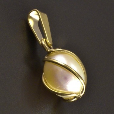 Zlatý přívěsek perla č.1