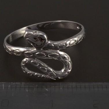 Stříbrný prsten had č.2