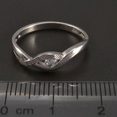 Stříbrný prsten zirkon a rytina č.2