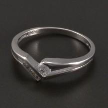Stříbrný prsten větší a menší zirkony