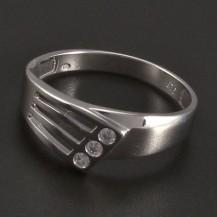 Stříbrný prořezávaný prsten 3 zirkony