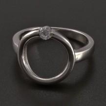 Stříbrný prsten kruh se zirkonem