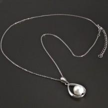 Stříbrný náhrdelník s kultivovanou perlou